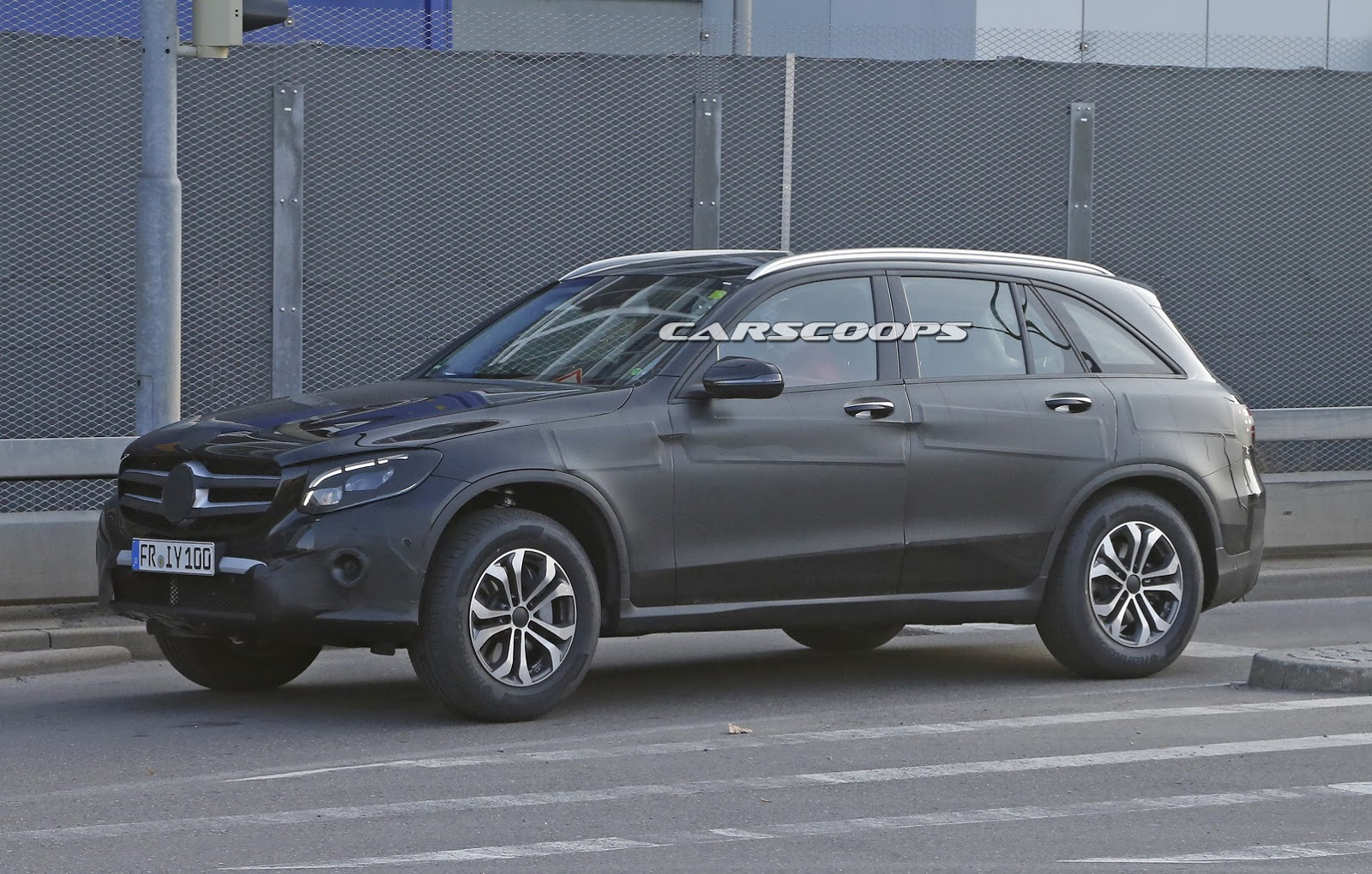 scoop mercedes benz 39 s all new glc will be unveiled on june 17. Black Bedroom Furniture Sets. Home Design Ideas