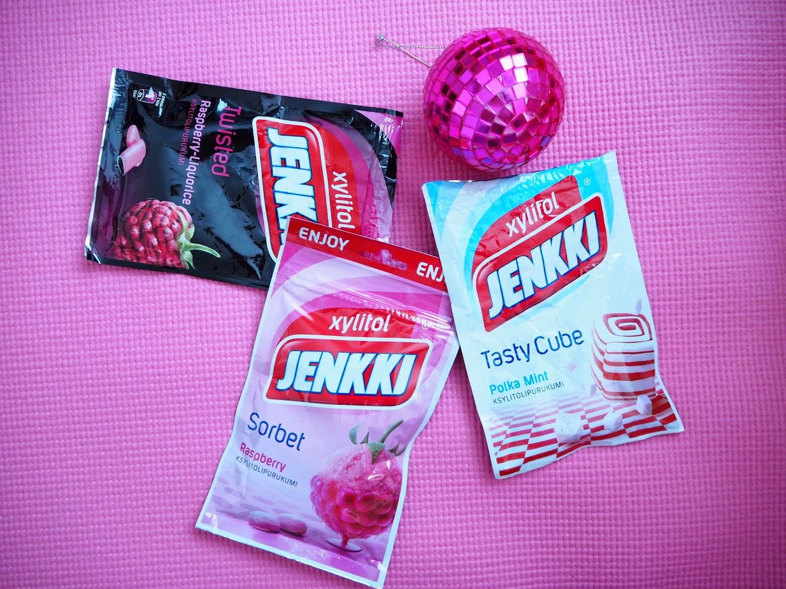 pinkki, purkka, purukumi, jenkki, xylitol, söpö, herkullinen, hyvää, tasty cub, sorbet, twisted,