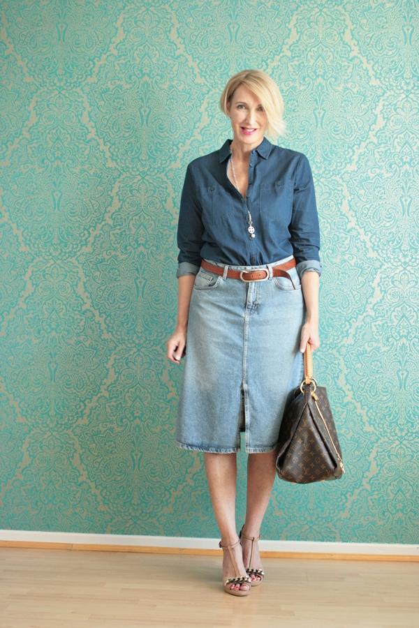 Ein Jeans Allover-Look