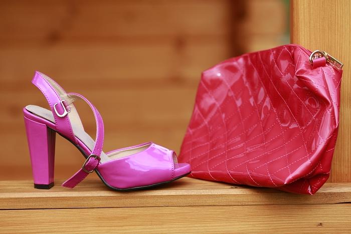 růžové lodičky, růžová kabelka, lesklé lodičky, levně