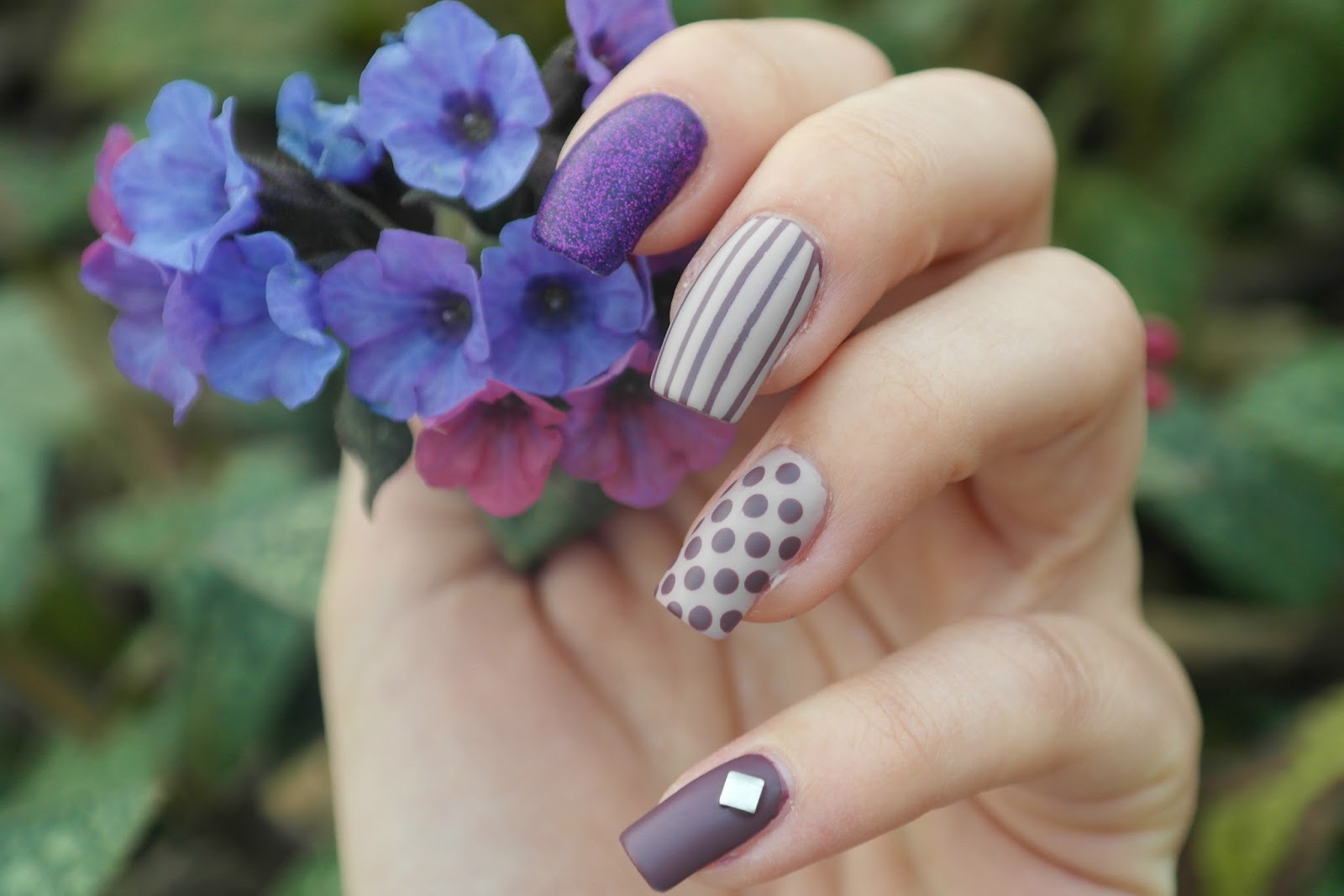 dusky purple manicure