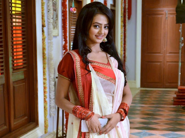 Beautiful Helly Shah Wallpaper