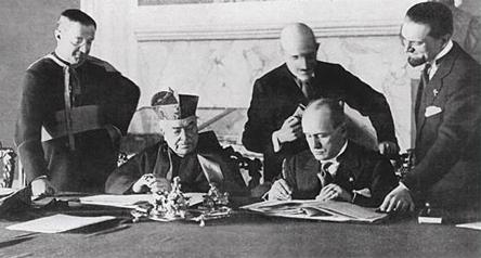 Risultati immagini per Mussolini Contro-rivoluzionario