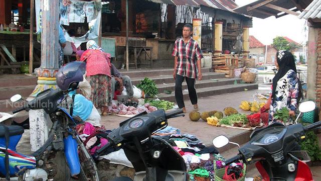 Sedikit penjual sayuran