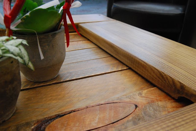 Mesa de centro de paletes reciclados de madeira
