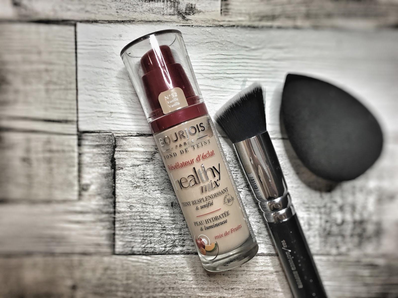 Legenda blogosfery: podkład Healthy Mix Bourjois