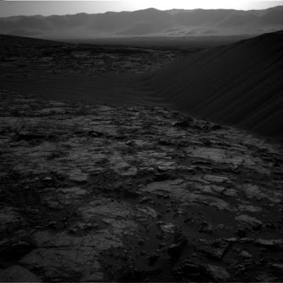 Robot NASA Temukan Bukit Pasir Raksasa di Mars