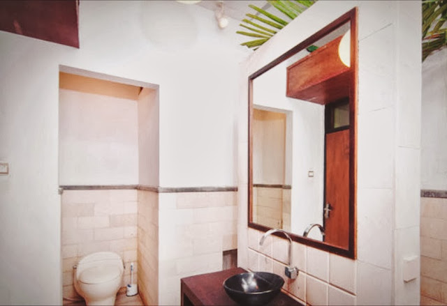 Tigalima Homestay - Outdoor toilet of Tamarind Room