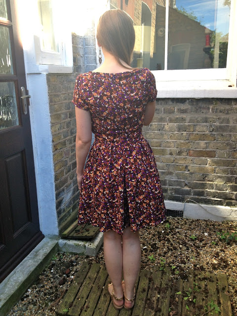 Diary of a Chainstitcher Autumnal Floral Simplicity 2444 Dress Sewing Pattern