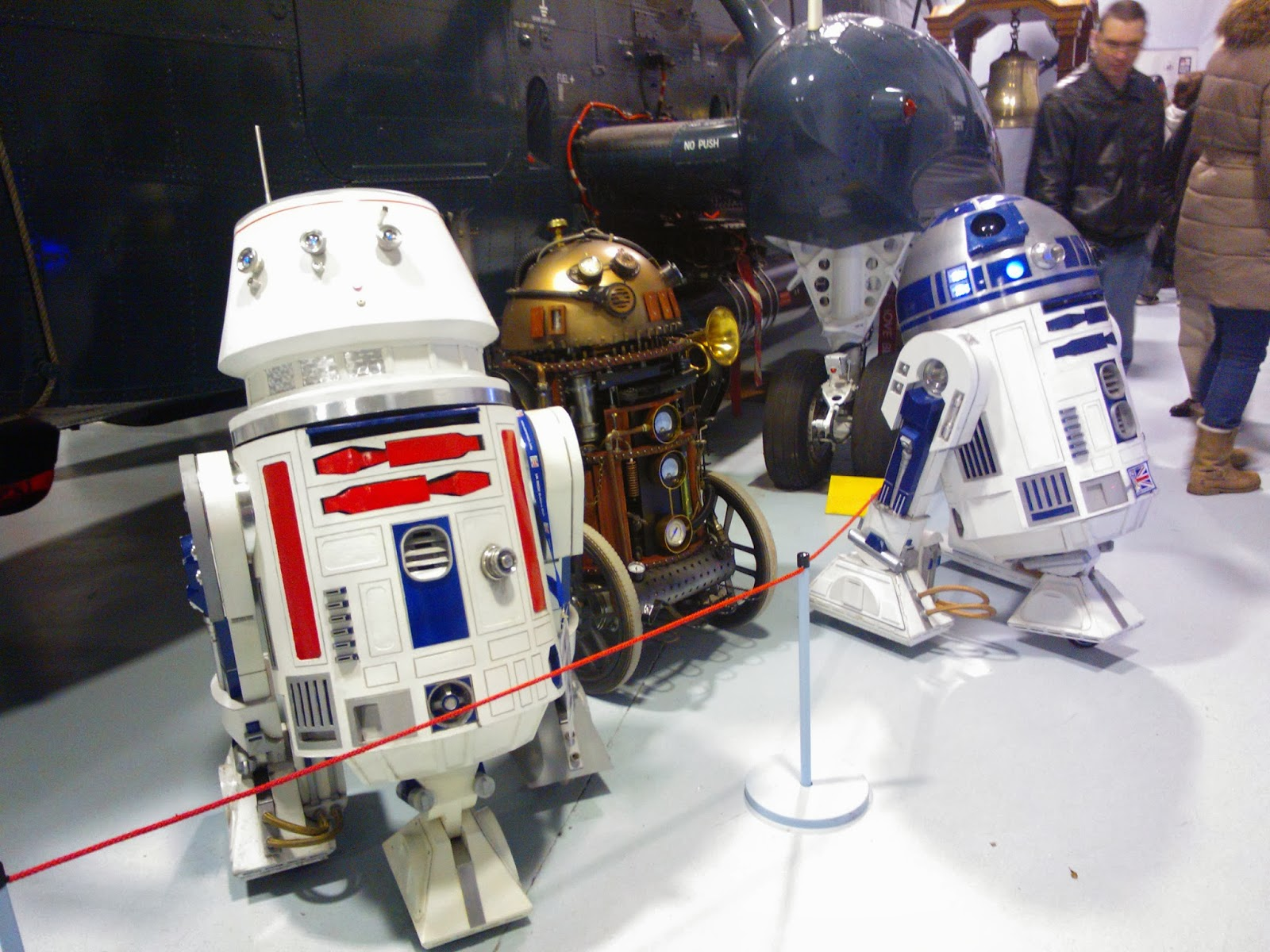 R5-D4, Steam Punk Droid, R2-D2