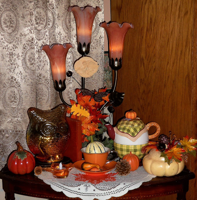 Autumn Vignettes in the Living Room