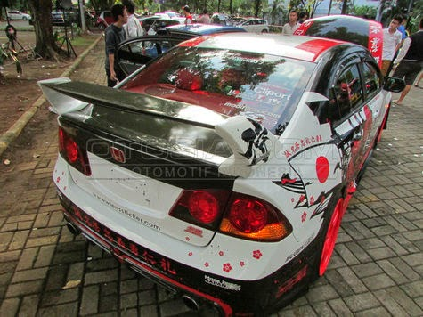 Honda Civic transformation Asimo and samurai