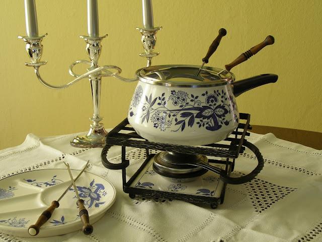 Fondue Pot
