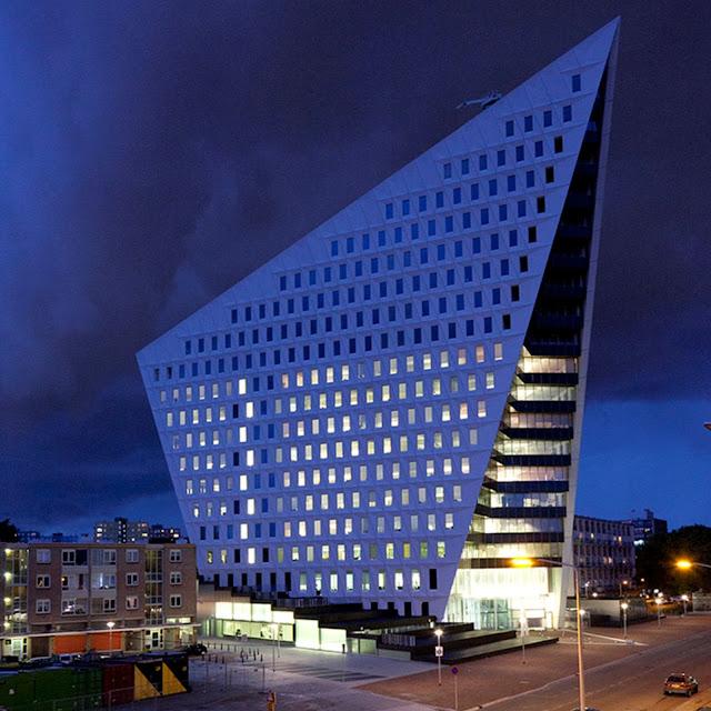 01-Municipal-Office-Leyweg-by-Rudy-Uytenhaak