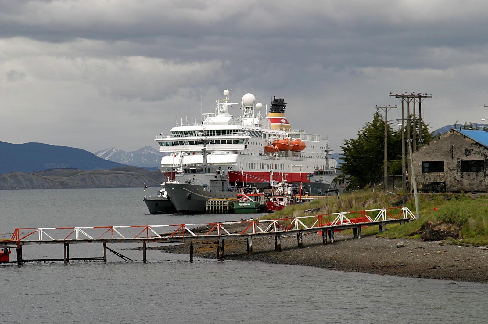 puerto williams chatrooms Browse puerto williams to saint vincent airfares and flight schedules, book puerto williams to saint vincent flights on tripcom and save up to 55% find cheap fares for flights from puerto williams to saint vincent on tripcom and win big giveaways with #tripcom.