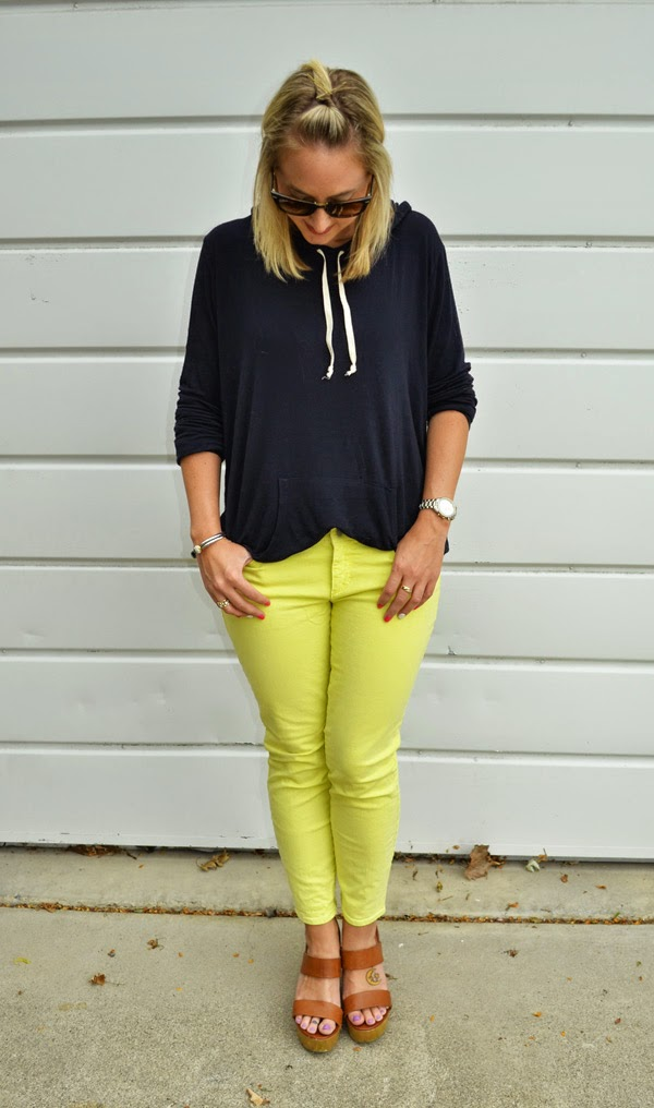 Brandy Melville sweatshirt, Ann Taylor yellow jeans, fashion blog