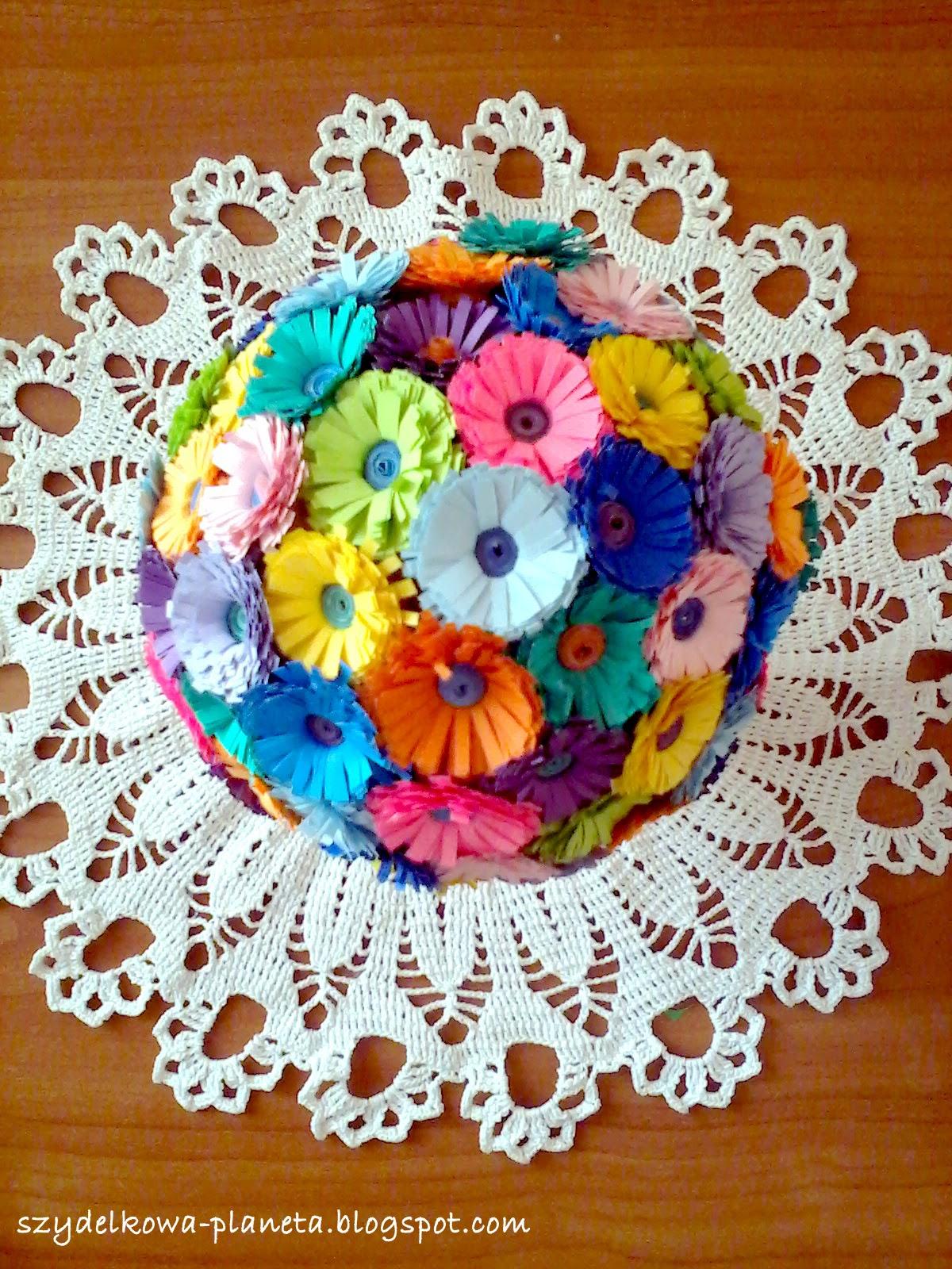 bukiet z papierowych kwiatków