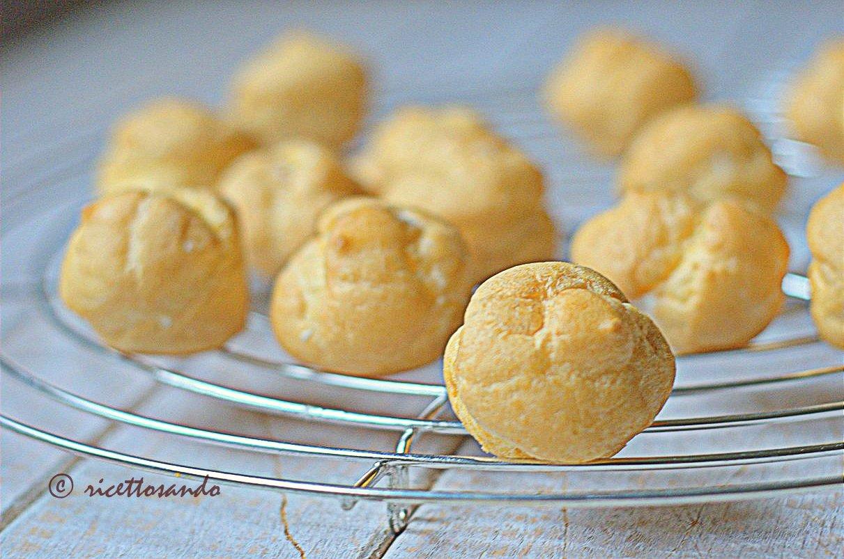 Pasta choux o base per bignè ricetta base per dolci farciti e fingerfood salati