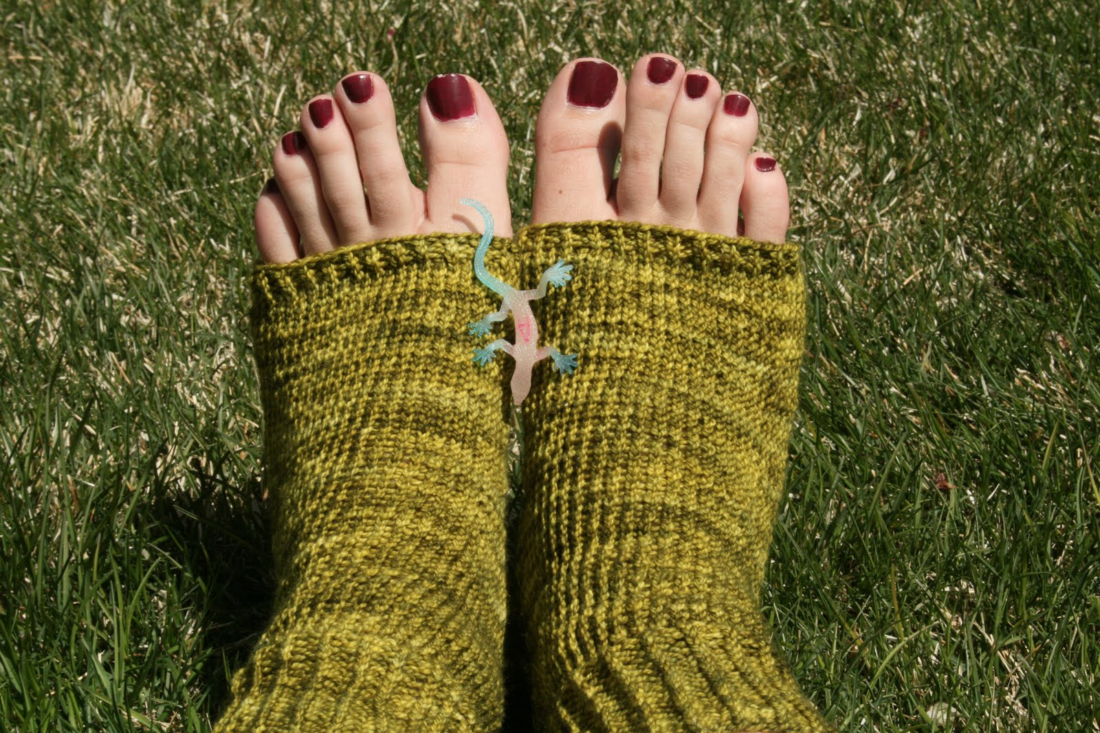 Knitting Pattern For Pedicure Socks : Knit Pedicure Socks Pattern