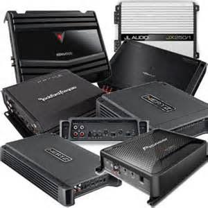Selanjutnya Amps. Sebuat Amplifier tersedia dengan banyak bentuk/model/type/jenis dan ukuran, pasti harus memilih yang powerful agar bisa tahan lebih lama.