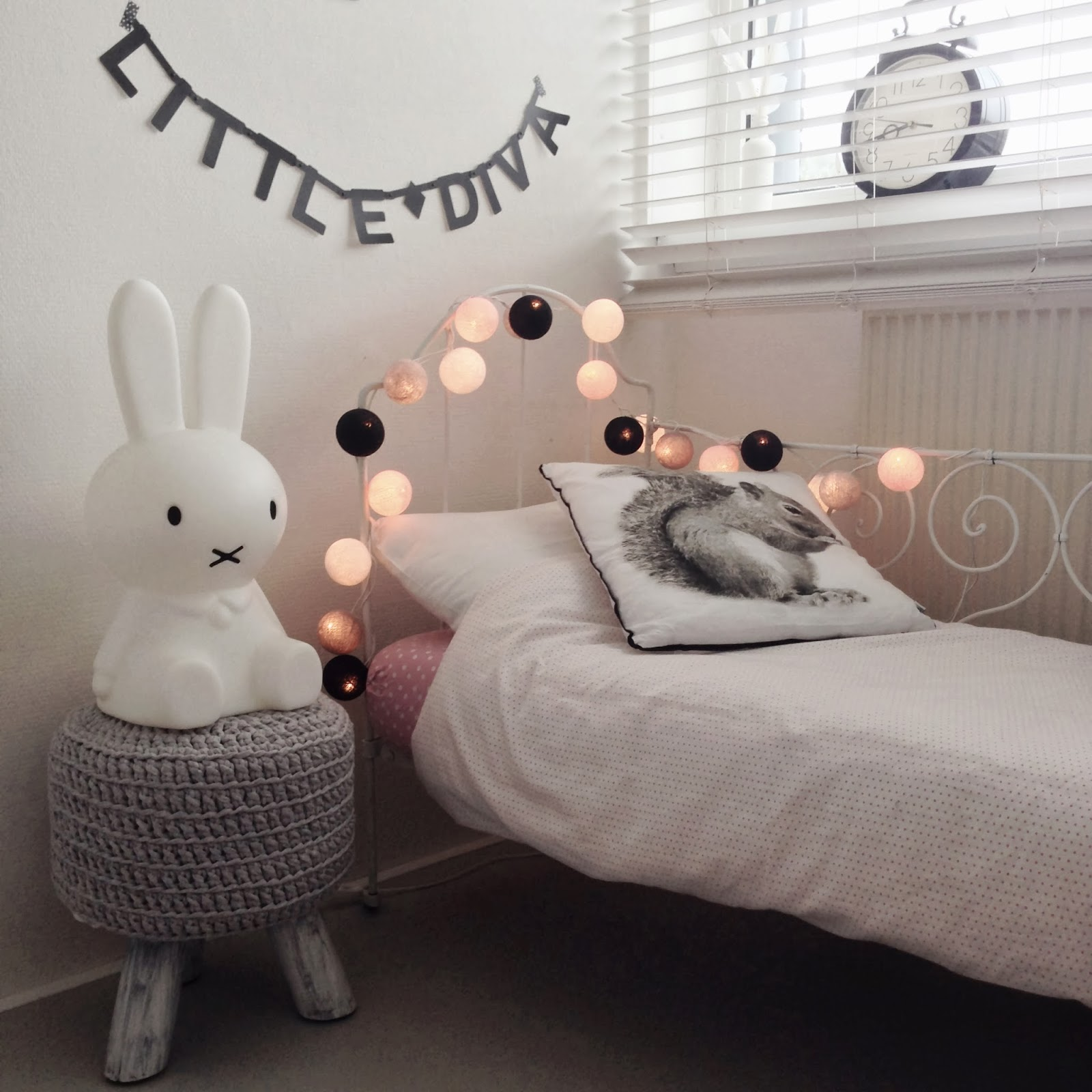 Guirnaldas de luces para convertir la habitaci n de los for Guirnaldas de luces