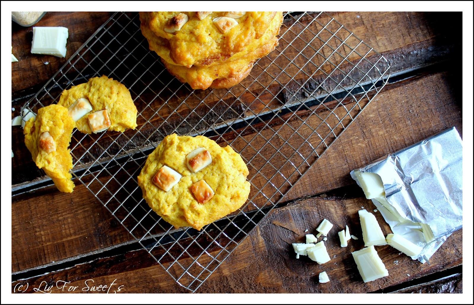 Kekse aus Kürbispüree mit Stücken aus weißer Schokolade - Rezept auch für den Thermomix