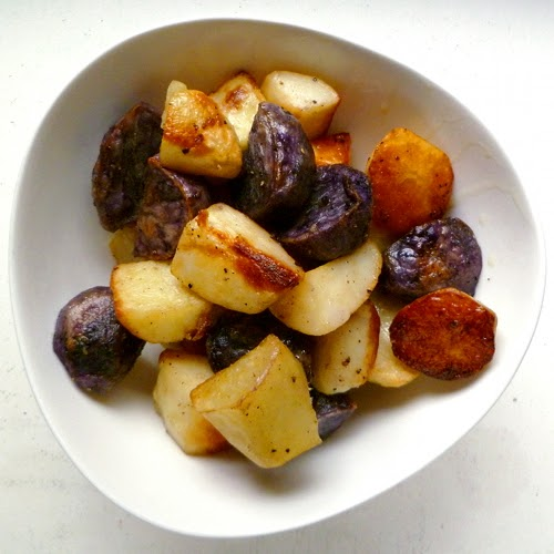 Cookistry: Garlic-and-salt roasted potatoes