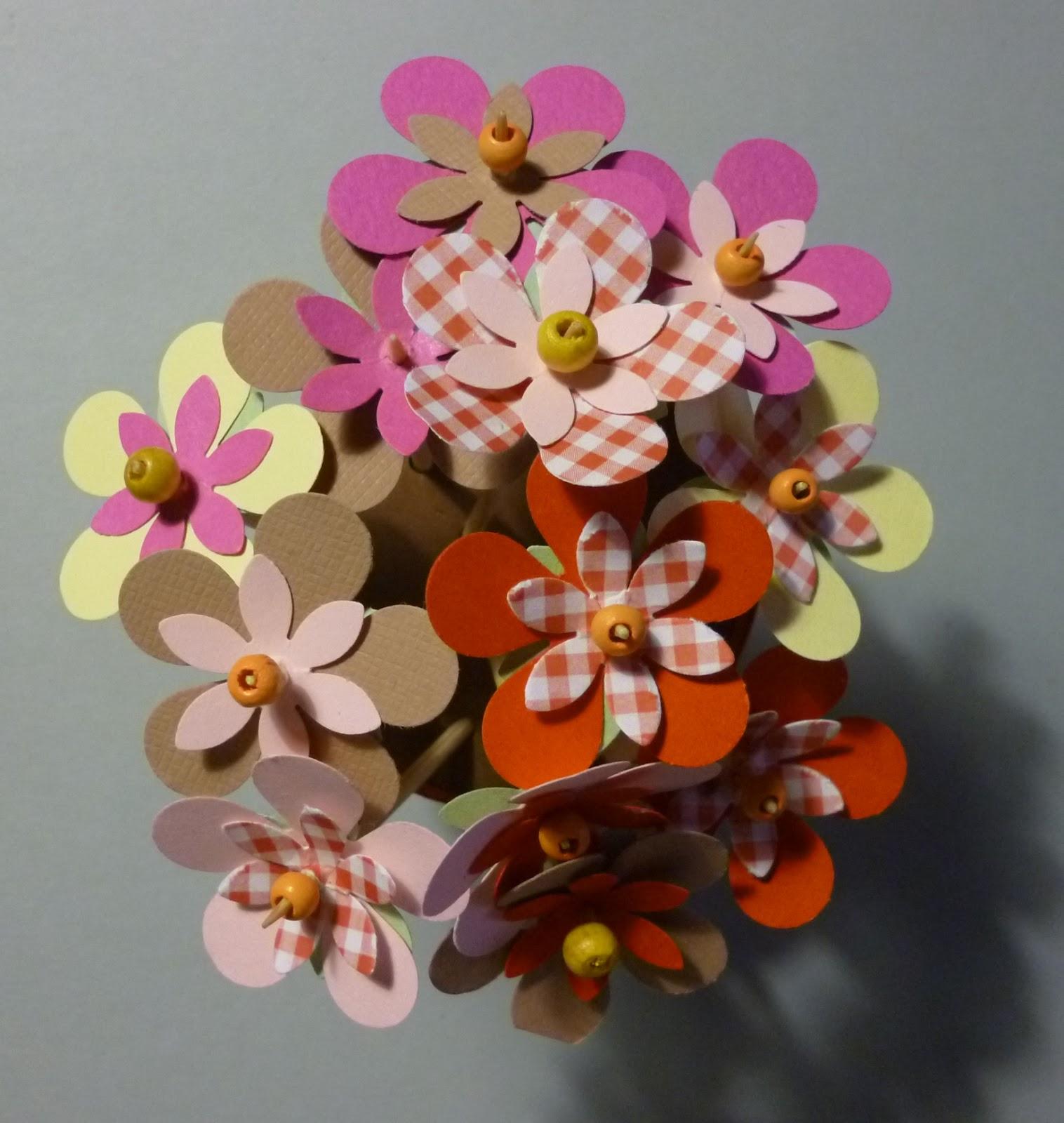 Cartoncino mio vaso di fiori for Fiori di cartoncino