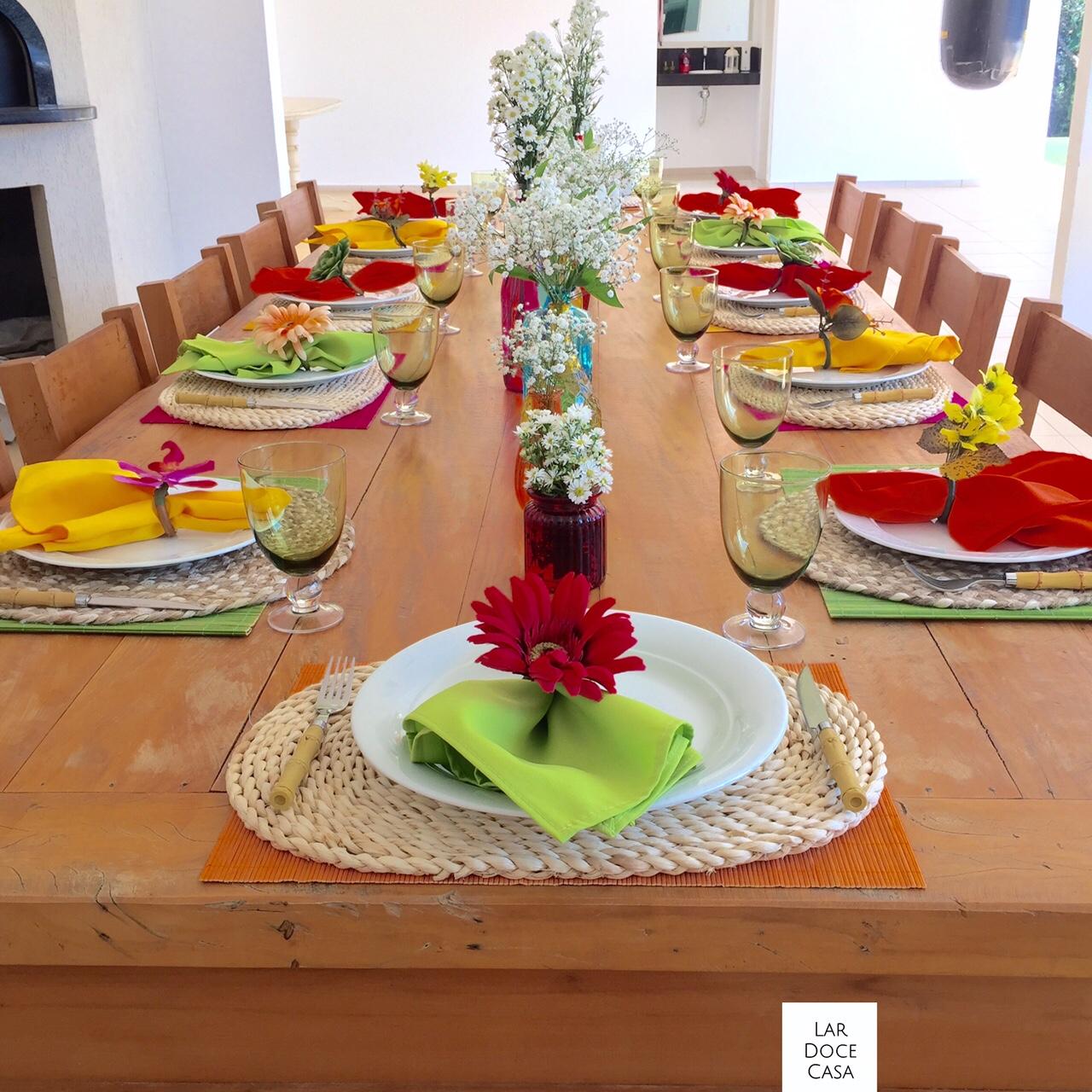 Mesa colorida para churrasco lar doce casa for Mesa comer