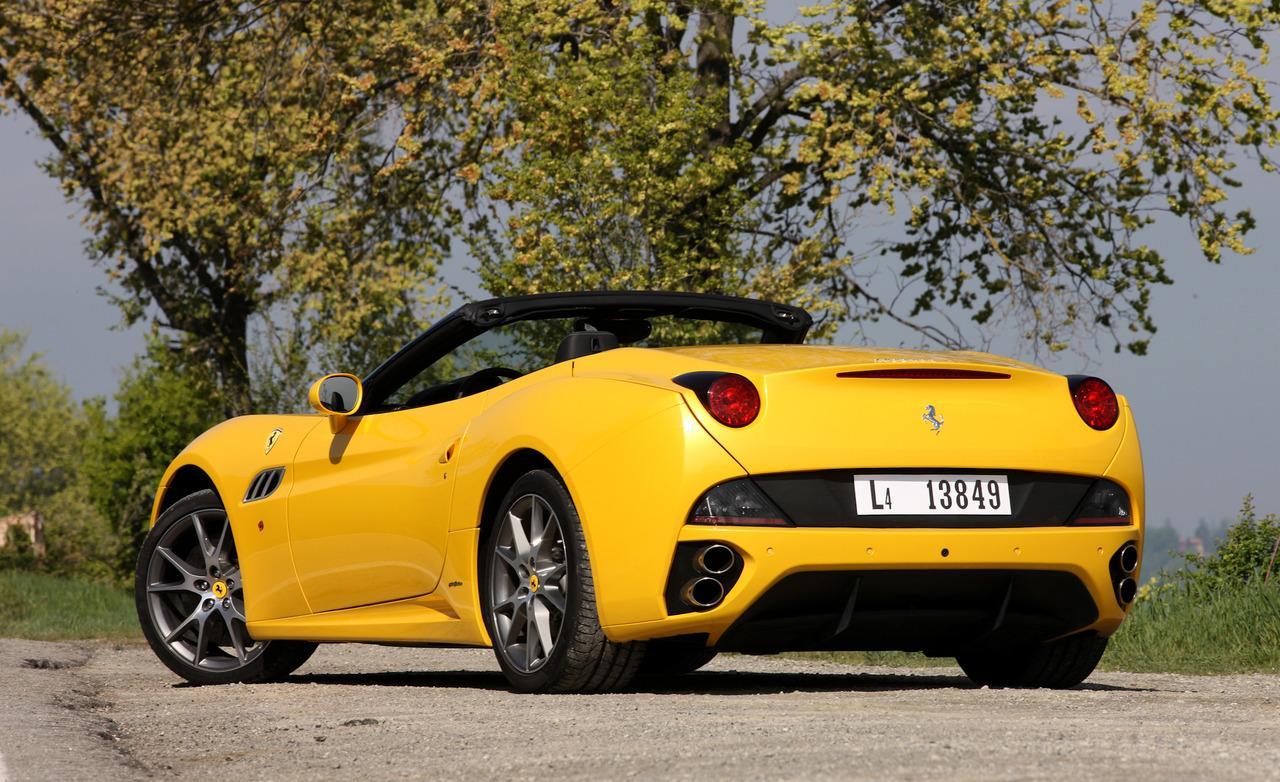 High Definition Wallpaper Club: 2013 Ferrari California Wallpapers