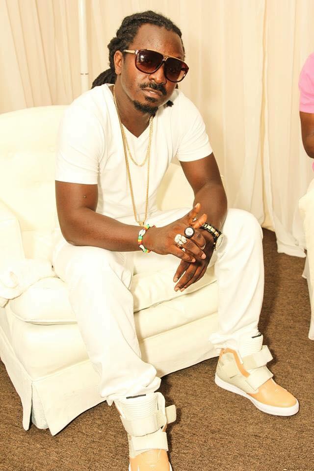 Liberian Artist Robert Black Diamond aka Black 1 Took Time Out to ...