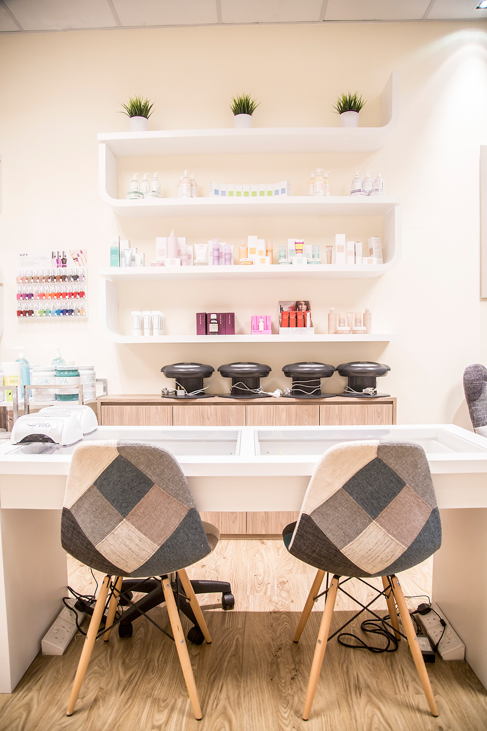 Crystal Phuong- Singapore Beauty Blog- Bejeweled Facial Spa Interior