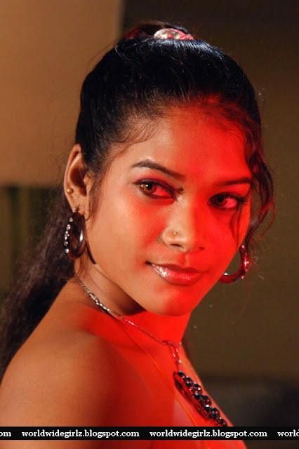 Grade Telugu Movie Ammayila Tirugubothu Spicy Pictures