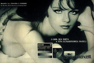 propaganda fita para gravador Maxell - 1973.  1973; os anos 70; propaganda na década de 70; Brazil in the 70s, história anos 70; Oswaldo Hernandez;