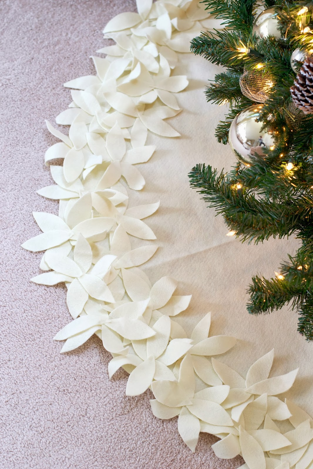 Livelovediy how to make a no sew christmas tree skirt