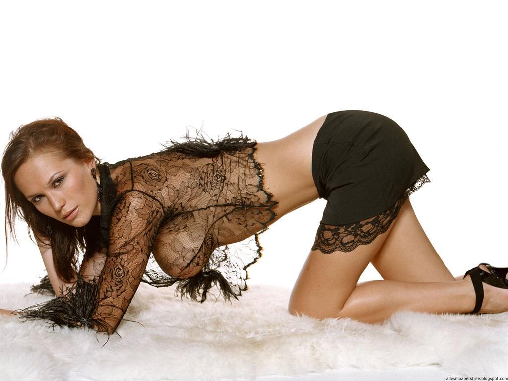 http://4.bp.blogspot.com/-Btq6OY_BmXY/TzCq5yCG8lI/AAAAAAAADBM/fnqH9xDnLkY/s1600/Lucy-Clarkson-1024768-0011.jpg