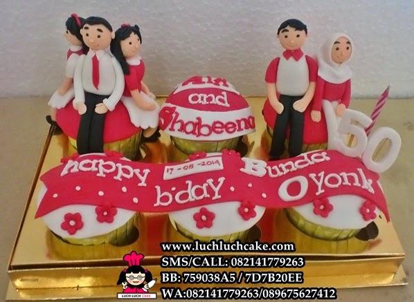 Cupcake Ulang Tahun Untuk Ibu Tema Keluarga Daerah Surabaya - Sidoarjo
