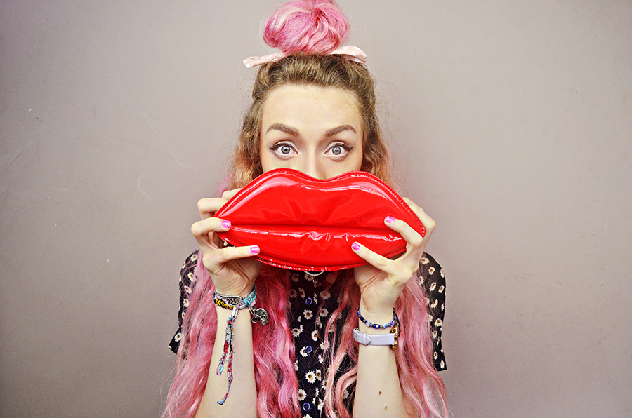 Stephi LaReine// UK Fashion Blogger, pink hair, top knot, lip lulu mcguinness dupe clutch, poppy lux dress, introducing colour back into your wardrobe