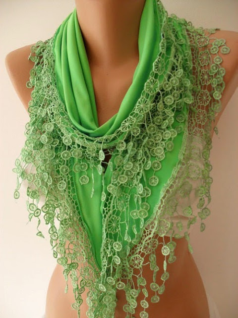 Elegant Green Triangle Scarf Lace Edge Womens Fashion Spring Scarf
