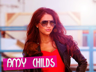 Readhead Amy Childs with Sunglasses HD Wallpaper