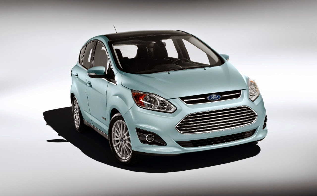 Front 3/4 view of 2014 Ford C-Max Hybrid