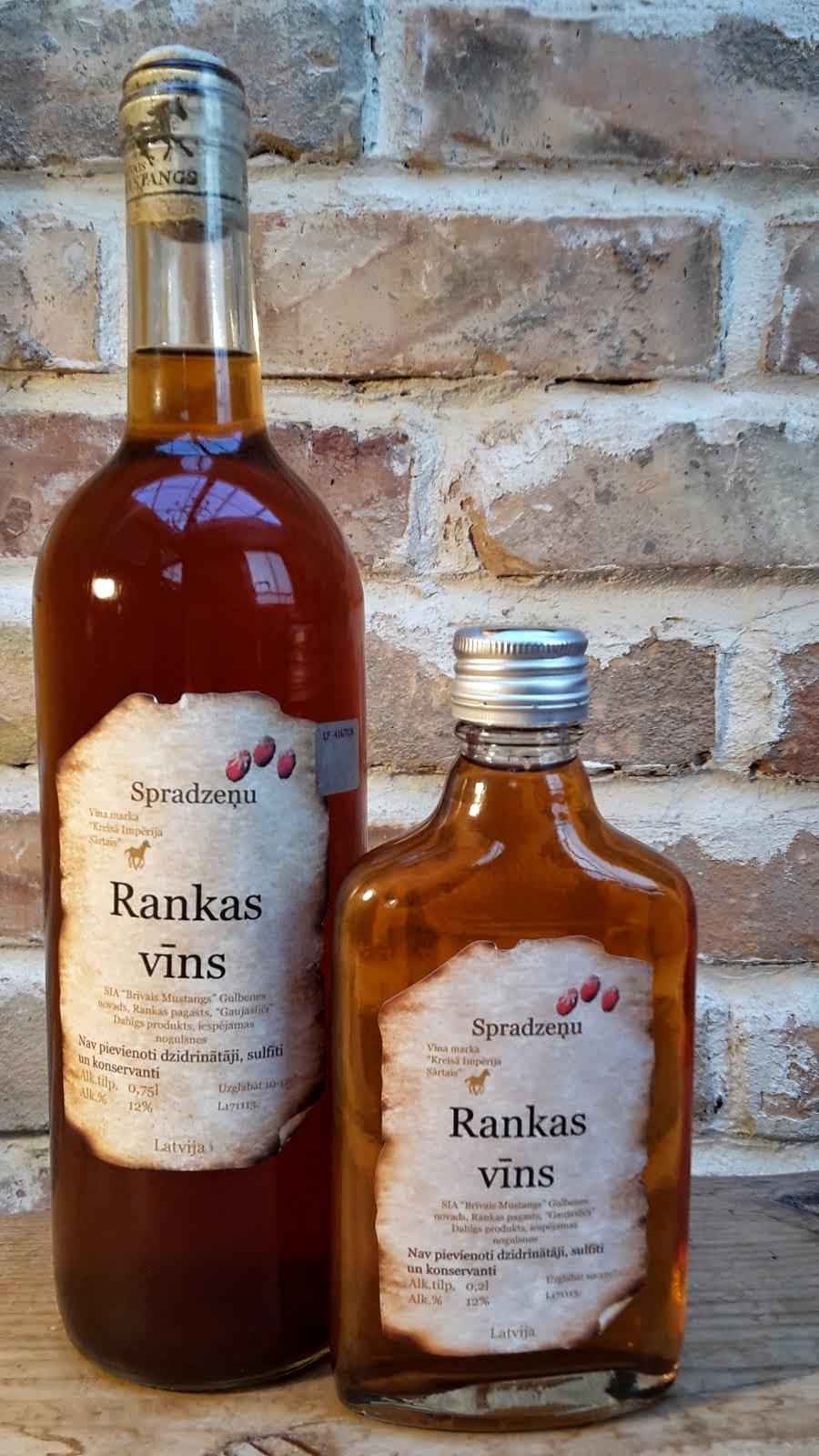 Spradzeņu pussausais vīns