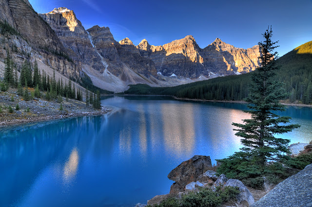 Valley of the Ten Peaks Moraine Lake Alberta Canada