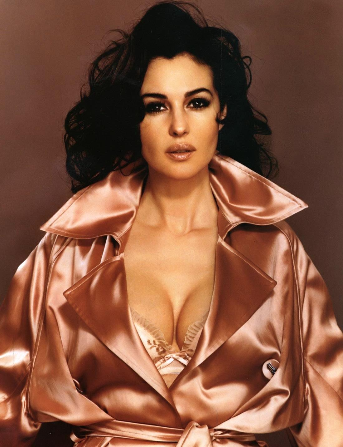 http://4.bp.blogspot.com/-Bui36ohMmhk/TbNS8BtKiQI/AAAAAAAADj0/YPRRv02jBmA/s1600/Monica+Bellucci+100.jpg