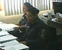 Cabo PM Arineuza e Sd Lana concentradíssimas!