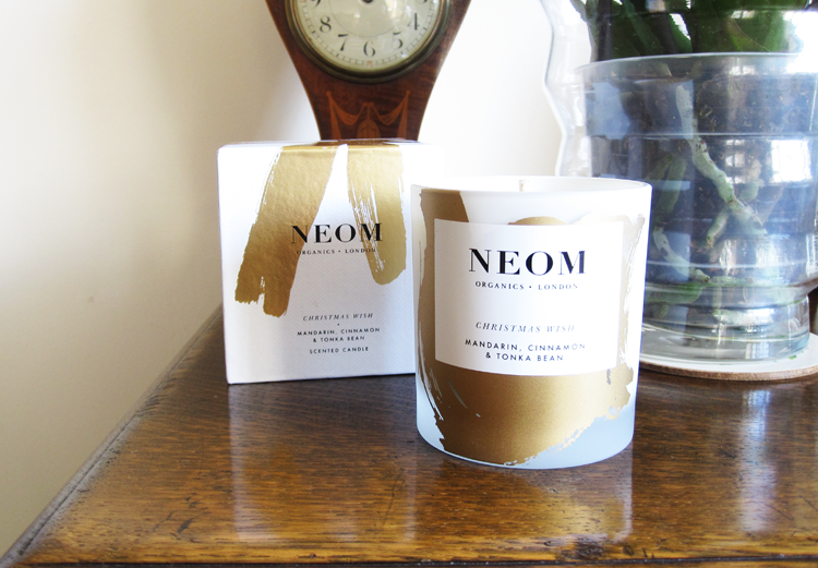 NEOM Christmas Wish Candle review