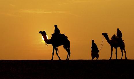 Inilah Dua Sosok Tak Dikenal yang Berada Disamping Nabi Dalam Perang Uhud