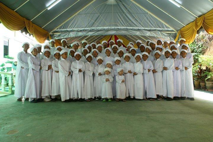 Gambar Guru, Pelajar Dan Anak Yatim Madrasah Al-Taqwa, Kajang (Hulu