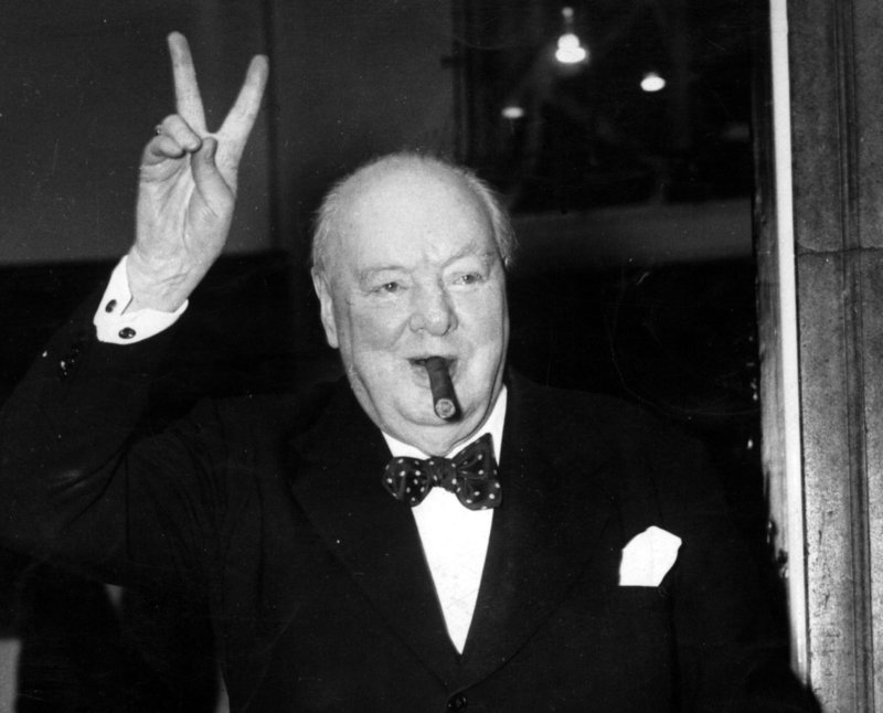 ......................¨....................... - Página 2 Churchill1