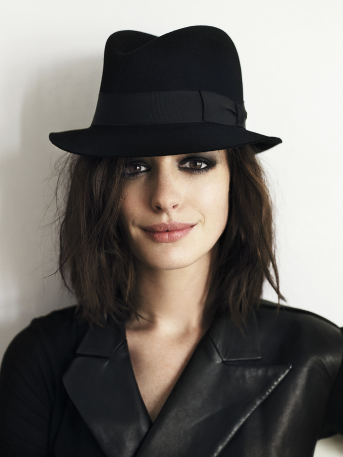 celebrity-photos-pictures-images-anne-hathaway-photos-poses-ima